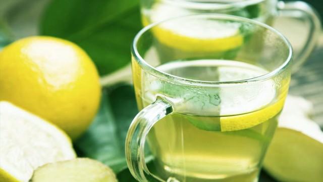 Resultado de imagem para água morna com limão